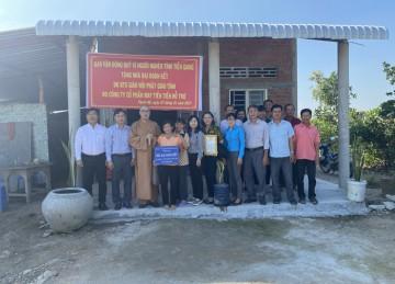 Tiền Giang: Phật giáo tỉnh bàn giao 02 căn nhà Đại đoàn kết tại huyện Tân Phước