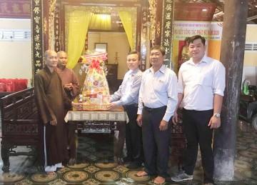 TX.Cai Lậy: Lãnh đạo các ban ngành Tết Ban Trị sự Phật giáo