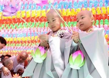 Hàn Quốc: Hàng trăm nghìn người diễu hành mừng ngày Phật Đản
