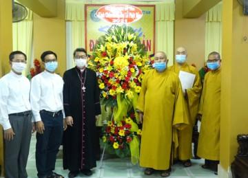 Tiền Giang: Tòa Giám mục Mỹ Tho chúc mừng Phật Đản chư Tôn đức Ban Trị sự Phật giáo tỉnh