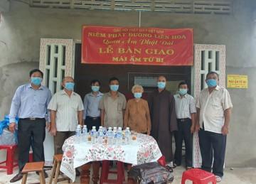 H.Chợ Gạo: Niệm Phật đường Liên Hoa bàn giao nhà tình thương và tặng học bổng cho học sinh hiếu học