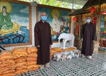 H.Châu Thành: BTS Phật giáo huyện kết hợp chùa Linh Sơn hỗ trợ bà con mùa dịch Covid