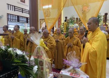 Tiền Giang: Chư Tôn đức lãnh đạo Phật giáo viếng Tang lễ cố Hòa thượng Thích Thiện Hòa